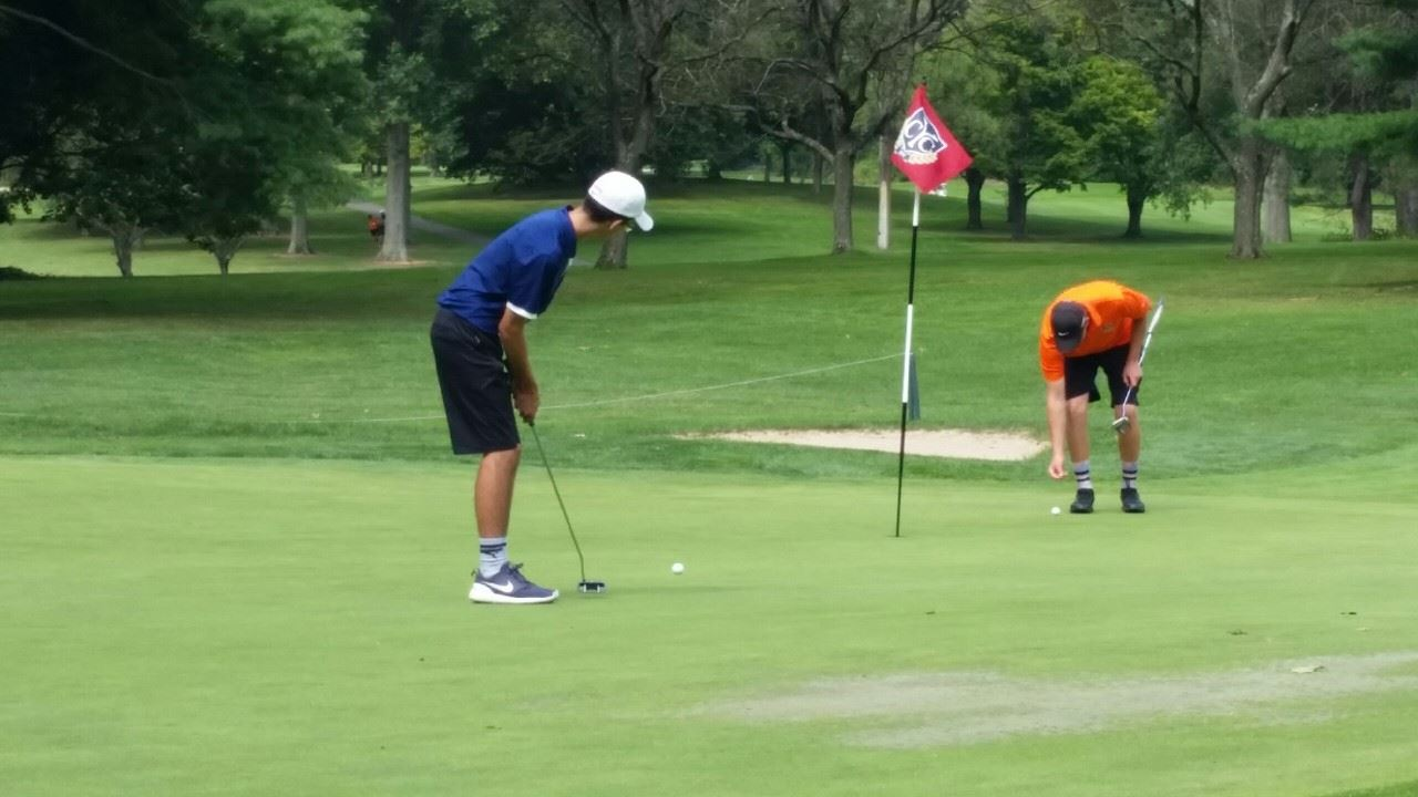 Chapnick Leads Comets to 4th Place Tie